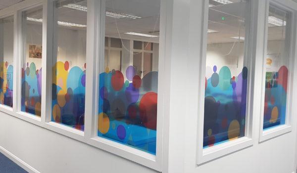 window-graphics-circles